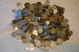 TRES GROS LOT DE MONNAIES DU MONDE - Vrac - Monnaies