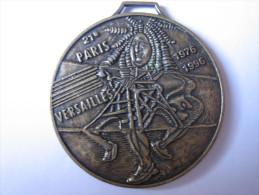 Médaille 21 Eme Course Paris Versailles ( 1976/1996) Texte De Arthus Bertrand - Arthus Bertrand