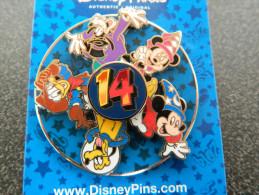 Pin´s Amovible - Disneyland Paris - 2014 - Dingo, Mickey, Minnie, Donald, Pluto - EO - WALT DISNEY - NEUF !!! - Disney