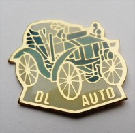 Pin´s DL Auto Voiture Ancienne - Pin's