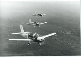 Photo  AVIATION Avion Avions (Commodore ? )F-BTIX (Cliché Aérospatiale  N°C 4887) PHOTO Format 18 X 13 CMS - Aviation