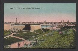 DD / 62 PAS DE CALAIS / CALAIS / VUE GENERALE PRISE DU FORT / ENFANTS QUI JOUENT SUR LE TALUS - Calais