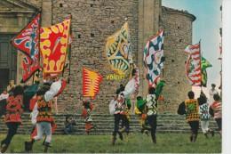 Volterra   Porte Bandieres Du Groupe Historique - Pisa