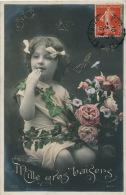 """ENFANTS - LITTLE GIRL - MAEDCHEN - Jolie Carte Fantaisie Portrait Fillette Papillons Et Fleurs """"Mille Gros Baisers"""" - Portraits"""