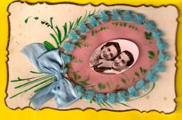 MONTAGE A LA MAIN * CARTE FANTAISIE EN RELIEF * FILLE FEMME AMOUR COUPLE ROMANTIQUE FANTASIE Handmade Hand Made  820 - Couples