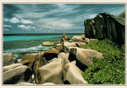 SEYCHELLES:  LA DIGUE:  LE ROCCIE     (NUOVA CON DESCRIZIONE DEL SITO SUL RETRO) - Seychelles