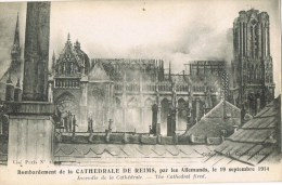 12235. Postal REIMS (Marne) Ardenes. Cathedrale De Reims, Bombardement Per Allemands Guerre 1914 - Reims