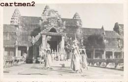 CAMBODGE BALLET KHMER DANSEUSE DEVANT LE TEMPLE D´ANGKOR-VAT DANSEUSE CAMBODGIENNE DANCE ASIA CAMBODGIA - Cambodge