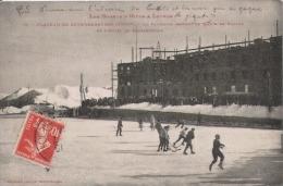 LES PORTS D'HIVER A LUCHON 15 PLATEAU DE SUPERBAGNERES . LA PATINOIRE PENDANT LE MATCHE DE HOCKEY ET L'HOTEL ..1914 - Superbagneres