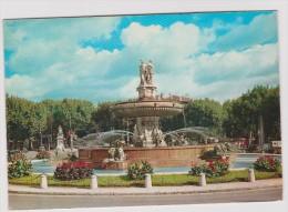 Bouches Du  Rhône :  AIX  En   PROVENCE    : Vue De La  Fontaine  1964 - Aix En Provence