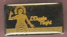 43401- Pin's-.Discothèque  L'Elysée Night à Sisteron ..Musique.. - Muziek