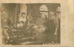 A Identifier - Métiers - Usine - Industrie - Métallurgie - Carte Photo - 2 Scans - état - Cartes Postales
