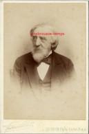 Grand CDV-(CAB) Vers 1890-beau Portrait D´un Homme âgé Qui A De La Classe-personnalité? Photo Pierre Petit Et Fils - Fotos