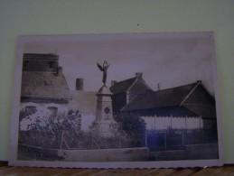 METZ-EN-COUTURE (PAS DE CALAIS) LE MONUMENT AUX MORTS. - France