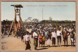 CONGO FRANCAIS - KINDAMBA - MISSION CATHOLIQUE - 31 - MARCHE APRES LA MESSE - CLOCHE - Collection Guichard - Congo Francese - Altri