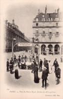 Cpa  75  Paris 1er , Place Du  Palais Royal , Station Du Metropolitain - Arrondissement: 19