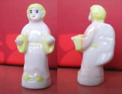 f�ve  Ange N� 2  - s�rie   Sainte Marie et ses rois 3 ( �mail )  - ann�e 1999  -  f�ves - rare