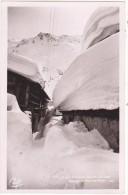 573.  -  Env.  De  CHAMONIX-MONT-BLANC.  -  Village  Du  Tour  En  Hiver.  -  LL. - Chamonix-Mont-Blanc