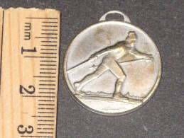 Médaille Gendarmerie Nationale (française) - Médaille Argentée (argent ?) Pas De Poiçon. Skieur Sur Avers - 1 - Police