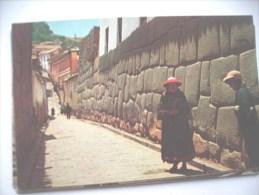 Peru Cuzco  Calle Hatunrumiyoc - Peru