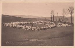 Cp , 65 , LOURDES , Les BERNADETTES , 1200 B. En Un Seul (1929) - Lourdes