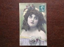 MVB 1980 - Portrait Femme - 19?? Timbrée - Couples