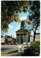 Bergerac: PEUGEOT 203, CITROËN DS & 2CV, RENAULT 4 & DAUPHINE -  'Kodak', Place & Eglise De La Madeleine - (France) - Passenger Cars