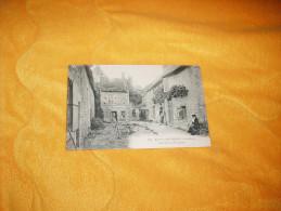 CARTE POSTALE ANCIENNE NON CIRCULEE DATE ?. / FONTAINE HENRY.- LA COUR DU FORGERON. - France