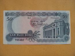South Viet Nam Vietnam 50 Dong AUNC Banknote 1970 - P#25 / 2 Images - Vietnam