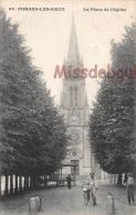 76 -  FORGES LES EAUX  -  La Place De L'Eglise  - Dos Vierge - 2  Scans - Forges Les Eaux