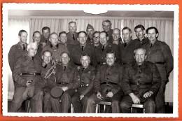 FRO-29  Carte-photo De Militaires.  Photo De Graf Sainte-Croix, Le 5 Déc. 1966. Militär. Non Circulé - VD Vaud