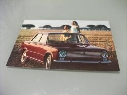 PICCOLO FORMATO AUTO CAR Primo Piano FIAT 124 SU UN PRATO IN COPPIA  PIN UP BIONDA - Turismo