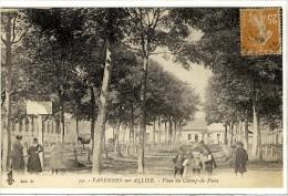 Carte Postale Ancienne  Varennes Sur Allier - Place Du Champ De Foire - France