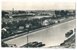 Cpsm: 51 REIMS Le Canal Et Le Stade Auguste Delaune (Péniches) - Reims