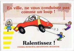 Vignettes Autocollantes EN VILLE NE VOUS CONDUISEZ PAS COMME UN LOUP  RALENTISSEZ - Pegatinas
