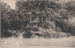 CPA 28. NOGENT LE ROI. Le Château. Une Vue Dans Le Parc. L'Île - Postkaarten
