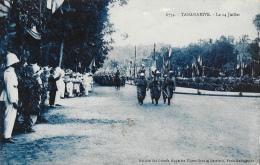 Madagascar - Tananarive - Le 14 Juillet - Défilé - Edition Des Grands Magasins Ulysse - Carte Non Circulée - Madagascar