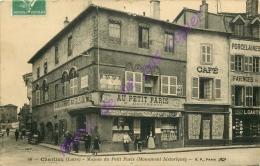 42. CHARLIEU . Maison Du Petit Paris  .  CPA Animée . - Charlieu