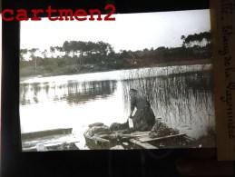 SCILLE ETANG DE LA VAZONNIERE LAVANDIERE LESSIVEUSE LAVOIR 79 DEUX-SEVRES PLAQUE DE VERRE PHOTOGRAPHIE CLICHE UNIQUE - Glasdias