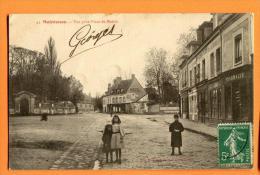 MN1-21 Maintenon Vue Prise Place De La Mairie. Pharmacie. TRES ANIME. Cachet Frontal Vers Paris, Date Illisible - Altri Comuni