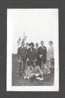 VRAIS PHOTO POSTCARD - PHOTO CABINET - AROUND 1940 - FAMILLE INCONUE - Photographie