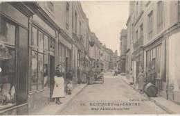 CPA 72 BEAUMONT SUR SARTHE Rue Albert Maignan Commerces Animation - Beaumont Sur Sarthe