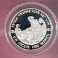 ETHIOPIE 20 BIRR 1984 SILVER PROOF DECADE FOR WOMEN MINT.ONLY 372 PCS  SCARCE KM73 SRATCHES ONLY ON CAPSEL - Ethiopie