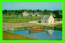 MORRISBURG, ONTARIO - UPPER CANADA VILLAGE -  VIEW FROM THE BLOCK HOUSE - ALUTONE - - Autres