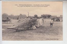 RT27.807  SENEGAL.CONFECTION D´UNE PIROGUE.BOIS COUSUS ENSEMBLE. - Sénégal