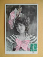 Miss Violette. - Entertainers