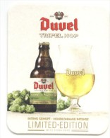 Duvel Tripel Hop. Intens Gehopt. Houblonnage Intense. Limited Edition. With Extra Hops. Anno 1871. - Portavasos