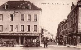 "Cpa  50  Saint-lo , La Rue De Neufbourg Animee..."" Au Grand Cafe "" - Saint Lo"
