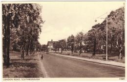London Road, Southborough Black & White Postcard, Sweetman & Son, Unused - England