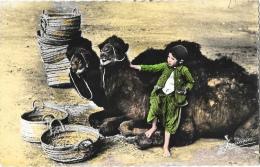 Algérie - Bou-Saada Cité Du Bonheur - Sourire Au Photographe - Chameaux - Edition Jomone - Carte Non Circulée
